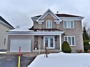 28052310 - Maison à étages à vendre
