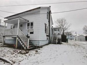 13656185 - Maison à étages à vendre