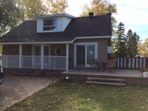 13302028 - Maison à étages à vendre