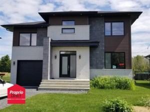 21760452 - Maison à étages à vendre