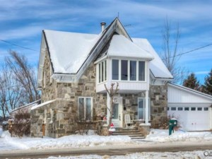 24104976 - Maison à étages à vendre