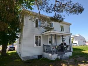 25666149 - Maison à étages à vendre