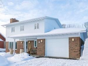 23158838 - Maison à étages à vendre