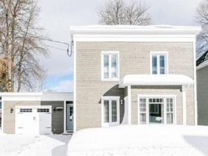 26989343 - Maison à étages à vendre