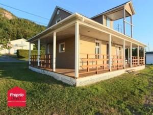 23728410 - Maison à étages à vendre