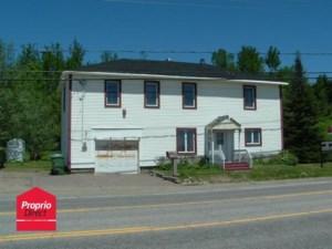 22405555 - Maison à étages à vendre