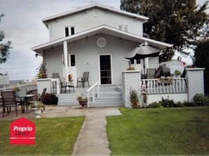 28876802 - Maison à étages à vendre