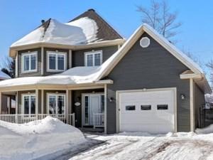 19619604 - Maison à étages à vendre