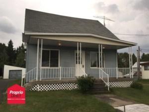 17874195 - Maison à étages à vendre