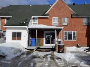 15742365 - Maison à étages à vendre