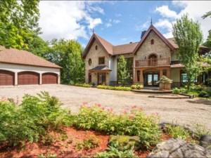25340671 - Maison à étages à vendre