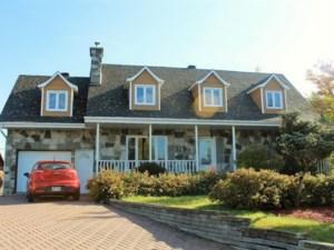 23158842 - Maison à étages à vendre