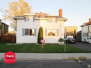 23319472 - Maison à étages à vendre