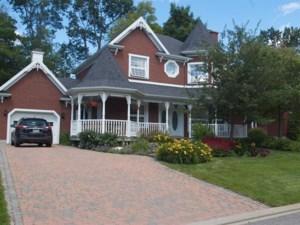 12447806 - Maison à étages à vendre