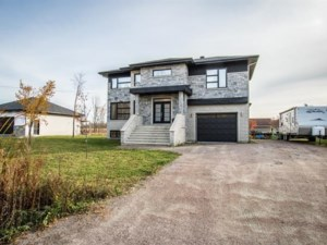 14930443 - Maison à étages à vendre