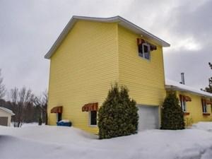 27829476 - Maison à étages à vendre