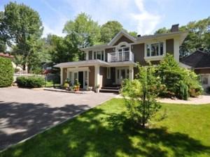 10639531 - Maison à étages à vendre