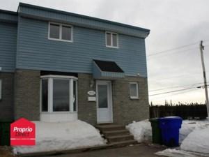 9524431 - Maison à étages à vendre