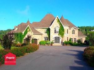 12245611 - Maison à étages à vendre