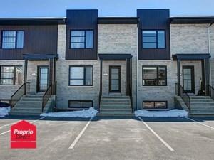 22221341 - Maison à étages à vendre