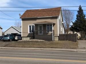 20736018 - Maison à étages à vendre