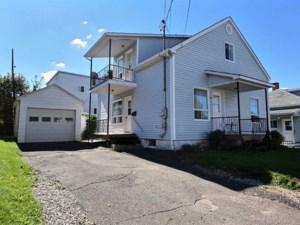19358584 - Maison à étages à vendre
