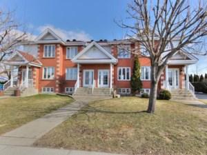 27033300 - Maison à étages à vendre