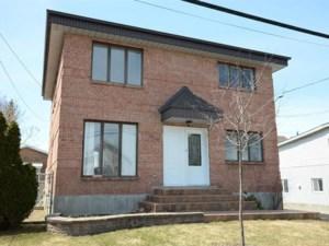 12444024 - Maison à étages à vendre