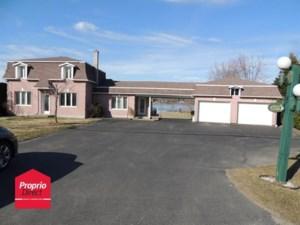 11612913 - Maison à étages à vendre