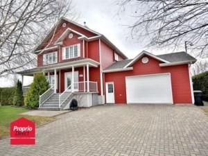 24167413 - Maison à étages à vendre