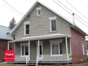 24901554 - Maison à étages à vendre