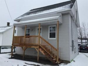15922871 - Maison à 1 étage et demi à vendre