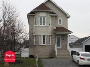 22557749 - Maison à étages à vendre