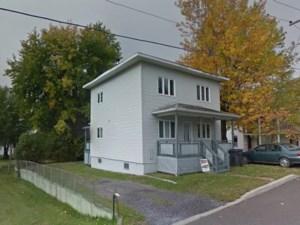 14654882 - Maison à étages à vendre
