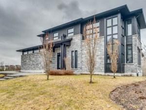 18217760 - Maison à étages à vendre