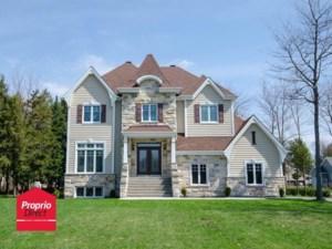 26387533 - Maison à étages à vendre