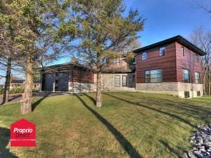 18235924 - Maison à étages à vendre