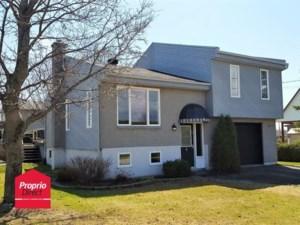 28622232 - Maison à étages à vendre