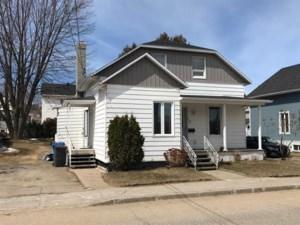 9627633 - Maison à étages à vendre