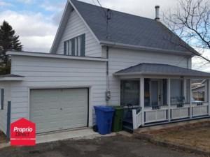 19065693 - Maison à étages à vendre