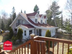 15748330 - Maison à étages à vendre