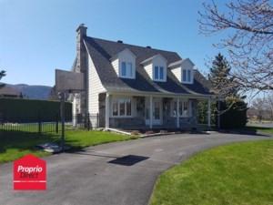 24696354 - Maison à étages à vendre