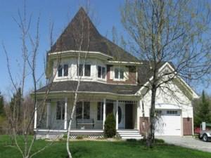 21544794 - Maison à étages à vendre