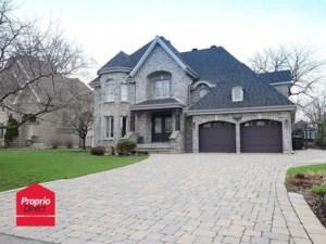 26065754 - Maison à étages à vendre