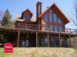 28297435 - Maison à étages à vendre