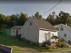 27993838 - Maison à étages à vendre