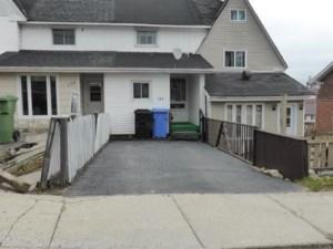 16312786 - Maison à étages à vendre