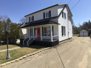 25696767 - Maison à étages à vendre