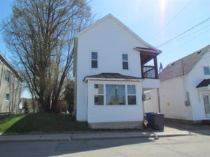 19792902 - Maison à étages à vendre