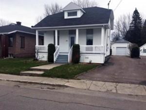 22395816 - Maison à étages à vendre